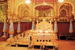Mysore Palace - Golden Throne (postcard)